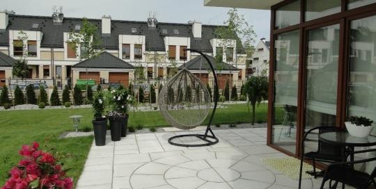 Geometryczny ogród, Wysoka
